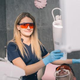 Porównanie popularnych metod wybielania zębów