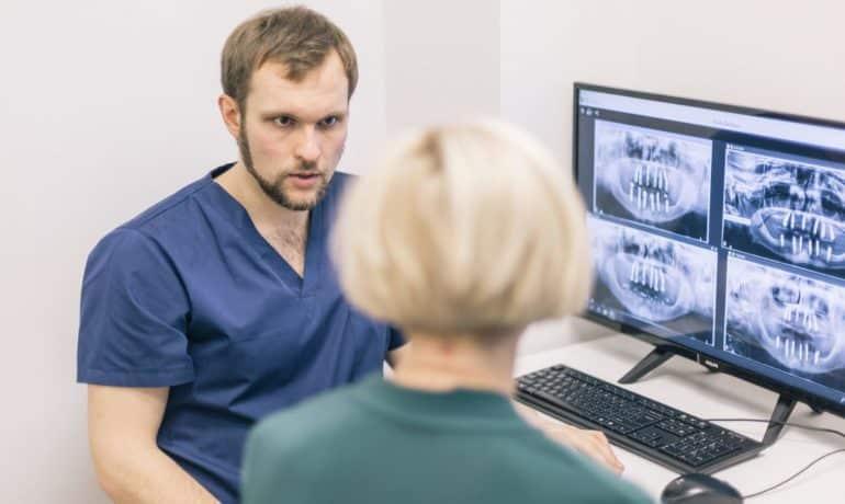 protezy na implantach zalety