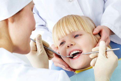 Co robi dentysta gdy wypadnie plomba?