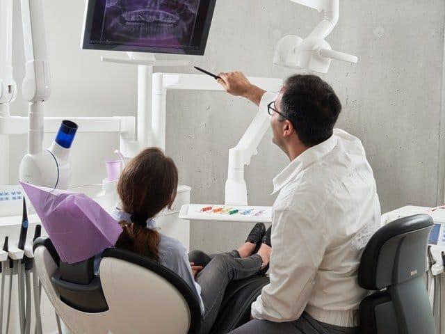 implanty zębów w ciąży